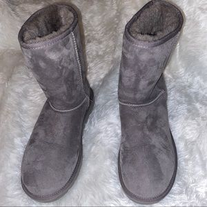 UGGs gray boots